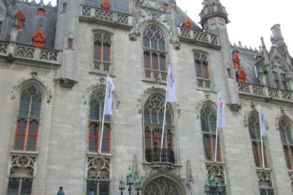 Bruges - il meraviglioso Municipio in piazza Burg