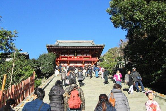 Tsurugaoka-Hachiman-gu-Kamakura-Giappone-salita-al-tempio-japan