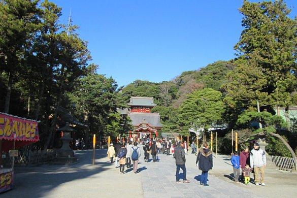 Tsurugaoka-Hachiman-gu-Kamakura-Giappone-viale-japan