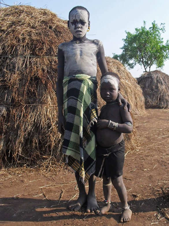 Mursi-coppia-bambini-Omo Valley-Etiopia-Africa-CIMG5954