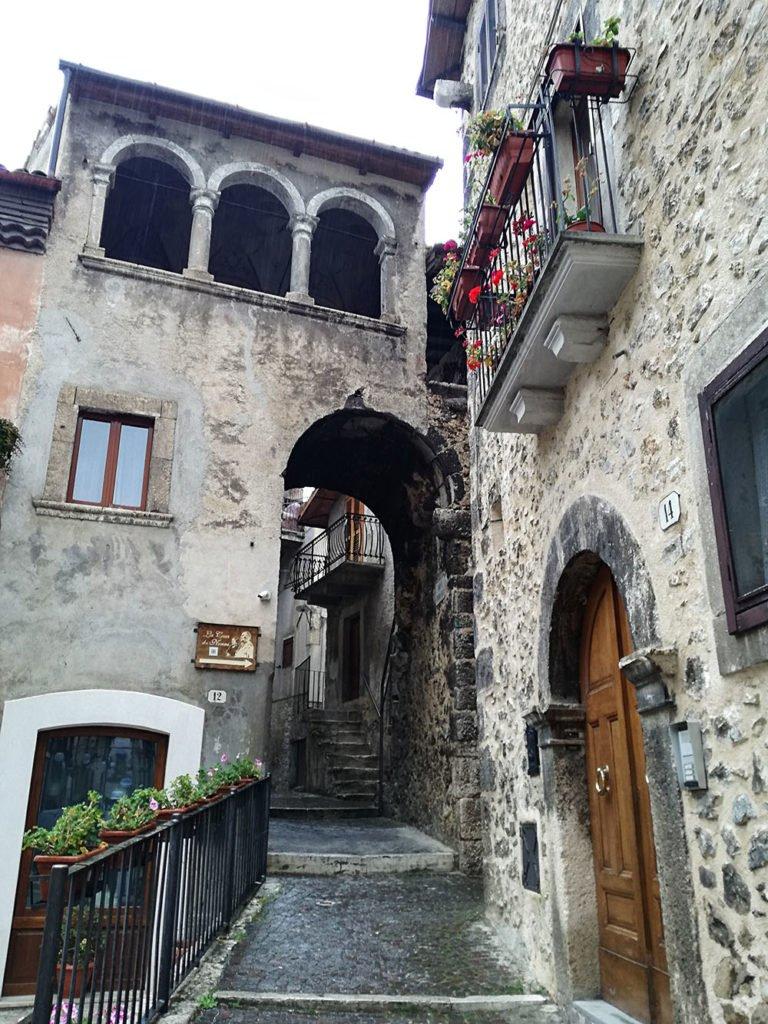 borgo-edificio-scanno-Abruzzo