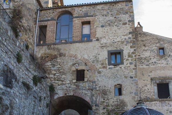 Bolsena-borgo-vicoli-Lazio-Tuscia-Italia-Italy