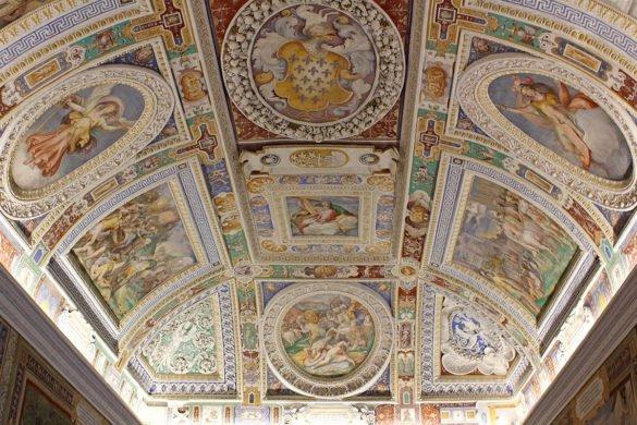 Palazzo-Farnese-soffitti-Caprarola-Tuscia-Lazio-Italia-Italy