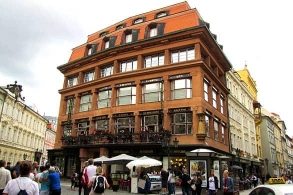 Bar-Cubista-Casa-della-Madonna-Nera-Grand-Cafe-Orient-Praga-Prague-Repubblica-Ceca-Europa