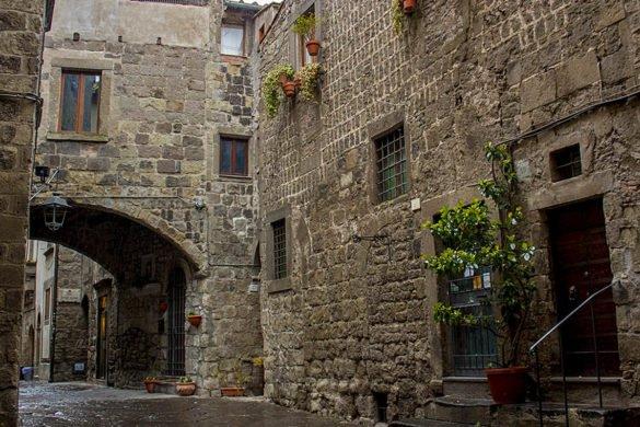 Quartiere san pellegrino-via quartiere san pellegrino-quartiere medievale-Viterbo- Tuscia Laziale-Lazio