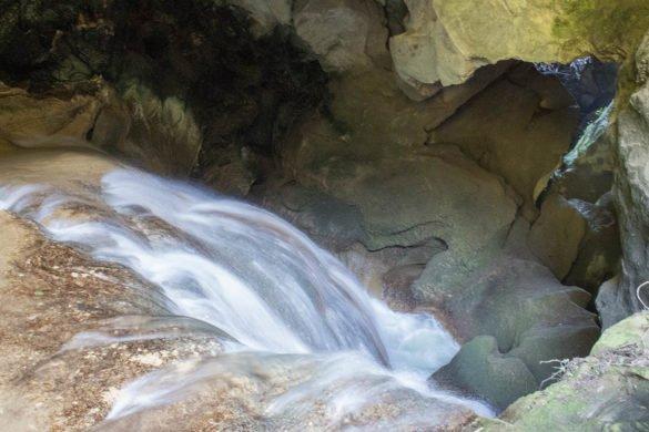 grotta-parco villa gregoriana-Tivoli-Lazio-Italia-Europa