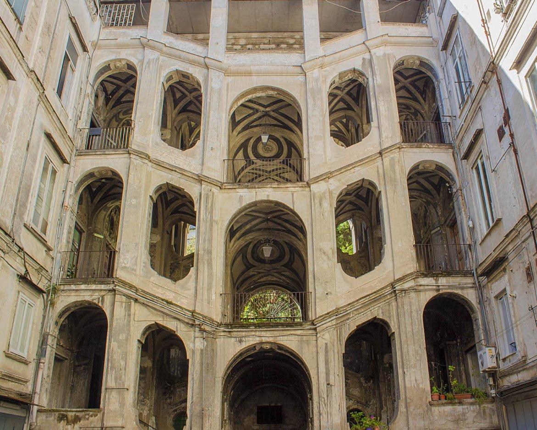 palazzo rione sanità-rione sanità-Napoli-Campania-Italia-Europa