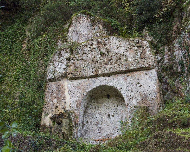 tomba della sirena-necropoli etrusca-sovana-Maremma Toscana-Toscana-Italia-Tuscany-Italy