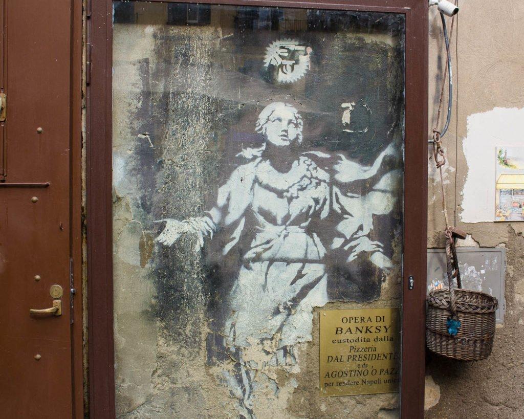 banksy-banksy napoli-Street art Napoli-Napoli-Campania-Italia