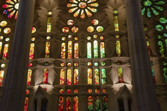 sagrada-familia-vetrate-gaudì-Barcellona-Spagna-Spain-Europa