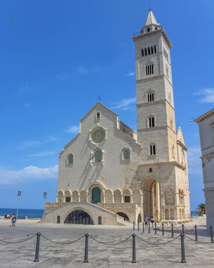 cattedrale trani-trani-puglia