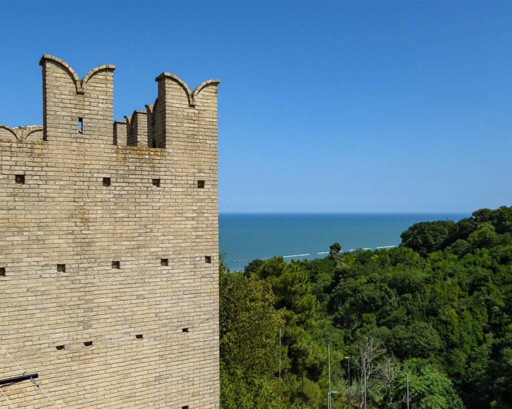 torre di palme-fermo-fermano-marche-italia-leggende