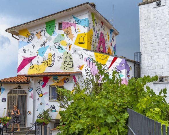 casa pop-street art-abruzzo-aielli-borgo universo