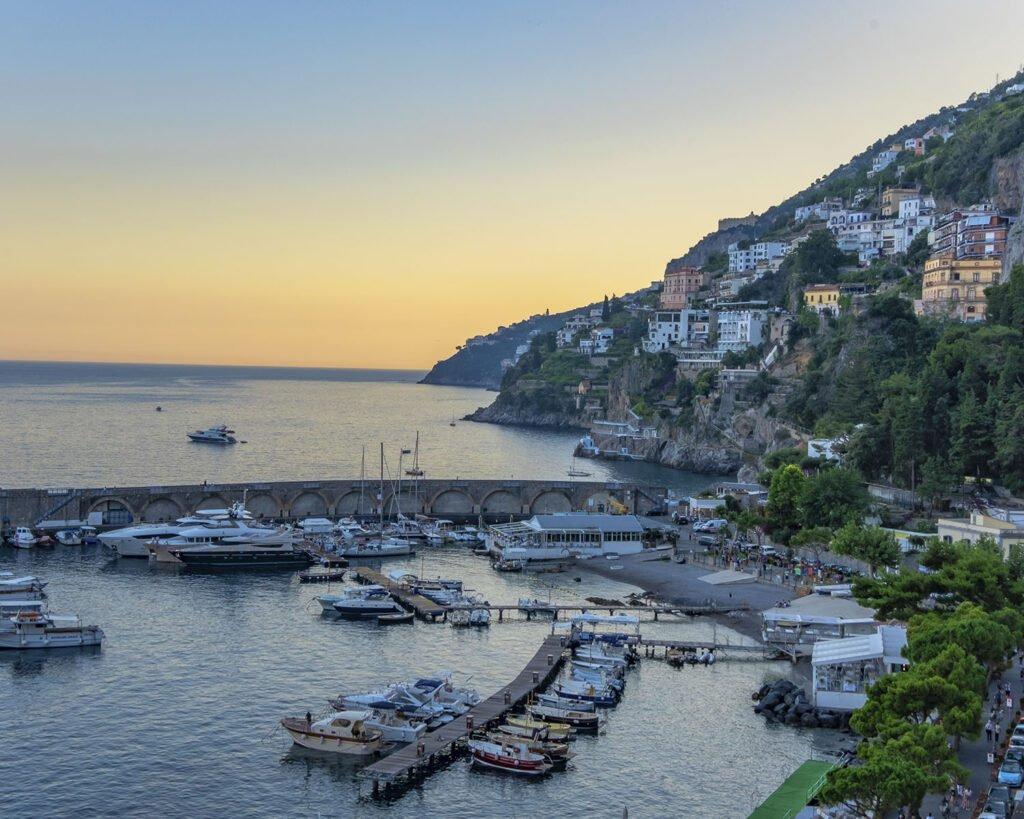porto amalfi-amalfi-costiera amalfitana-campania