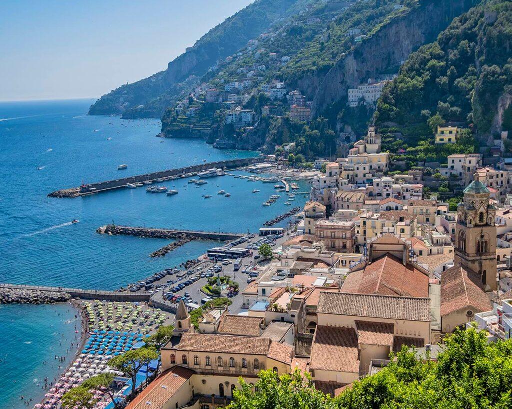 veduta cimitero monumentale-amalfi-costiera amalfitana-campania